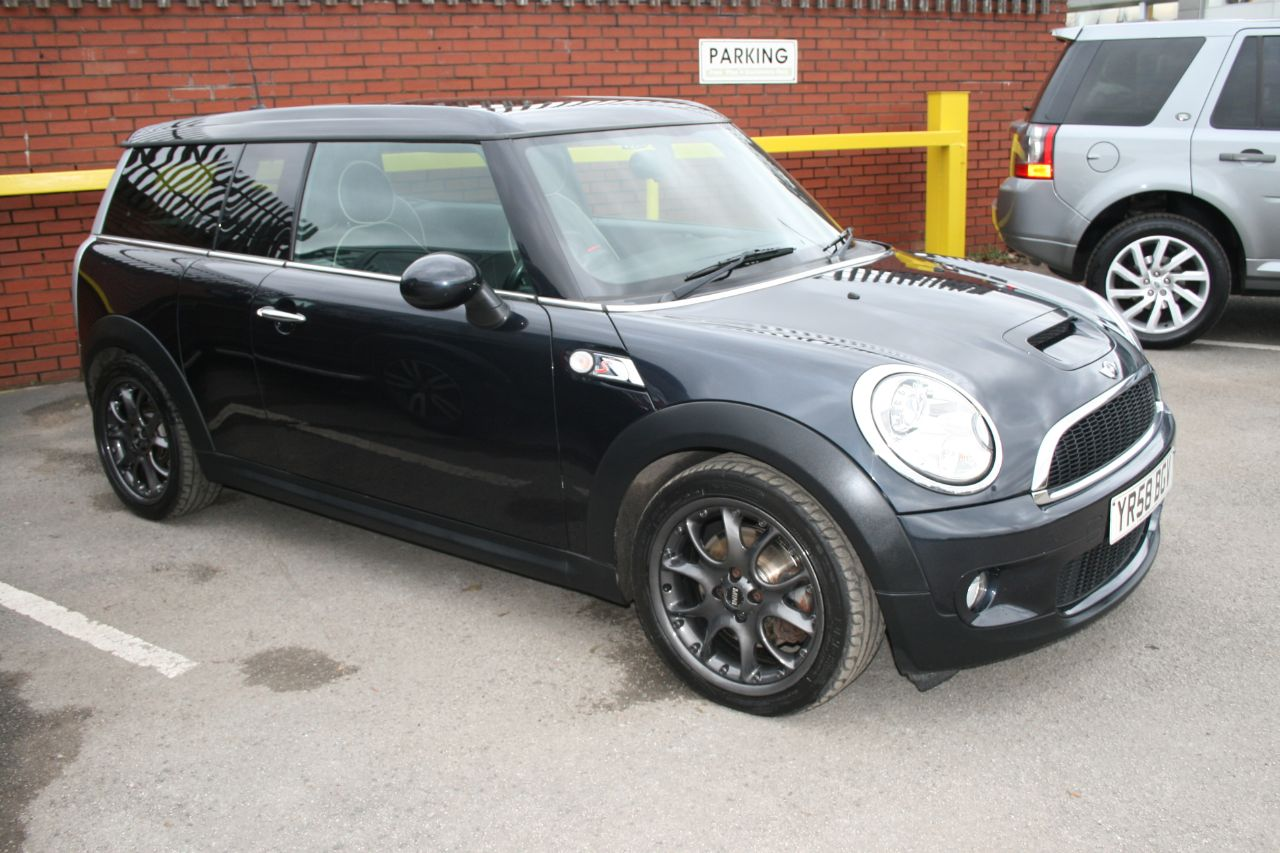 Mini Clubman 1.6 Cooper S 5dr Estate Petrol Black at Four Plus 4 Leeds