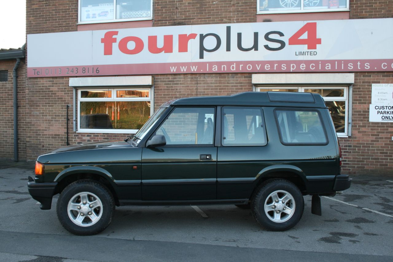 Land Rover Discovery 2.5 300 TDI Four Wheel Drive Diesel Metallic Green at Four Plus 4 Leeds