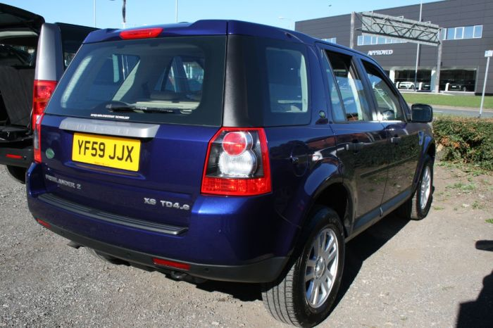 Land Rover Freelander 2.2 Td4 e XS [Nav] 5dr Estate Diesel Blue